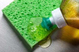 Detergente é um dos produtos de limpeza concentrados