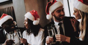 Festa de natal da empresa: na foto, funcionários curtindo o momento!