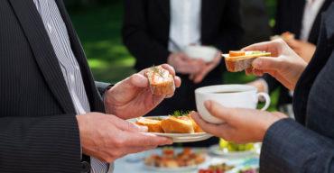 Veja como integrar funcionários com café da manhã