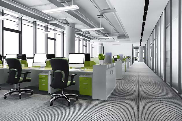 Escritório cumprido com chão de carpete cinza - como fazer a limpeza de carpete